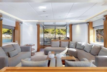 alma-motor-yacht-salon (1)-min