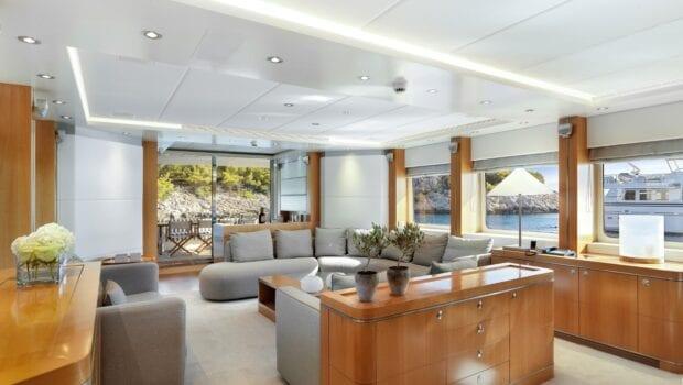 alma-motor-yacht-salon (4)-min