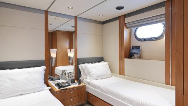 alma-motor-yacht-twin-min