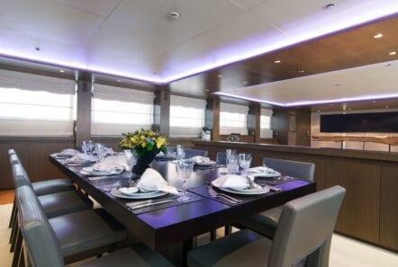 mado-motor-yacht-dining (1)