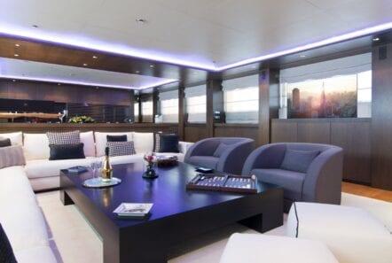 mado-motor-yacht-dining (2)