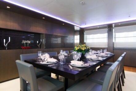 mado-motor-yacht-dining (3)