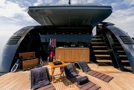 mado-motor-yacht-exterior (1)
