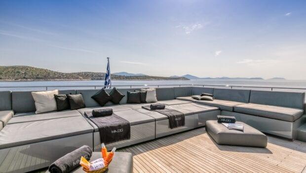 mado-motor-yacht-exterior (4)