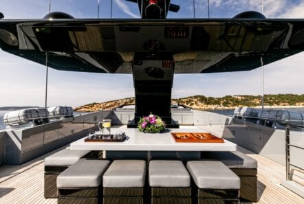 mado-motor-yacht-exterior (5)