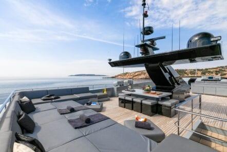 mado-motor-yacht-exterior (6)