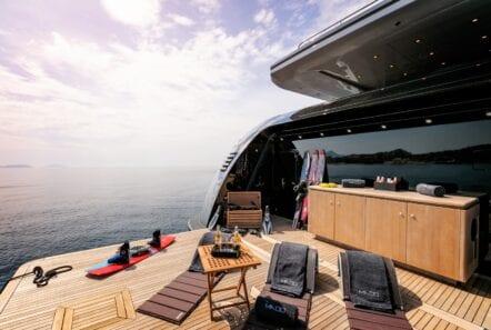 mado-motor-yacht-exterior (8)