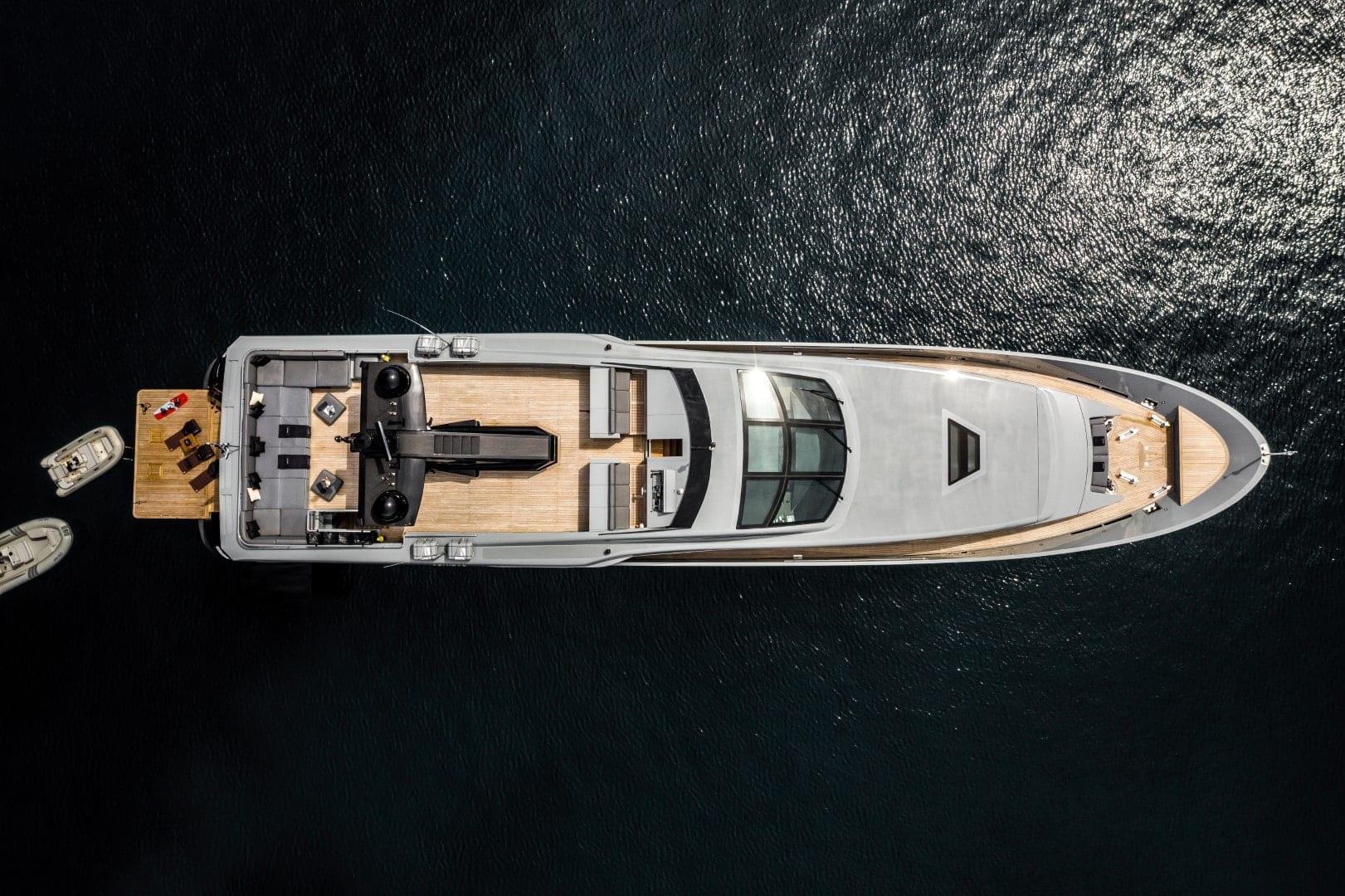 mado-motor-yacht-exterior-profiles (11)