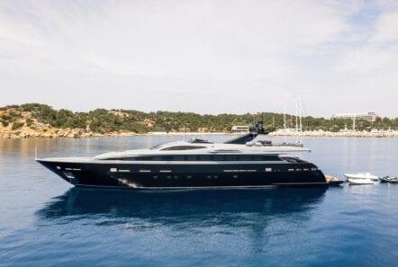 mado-motor-yacht-exterior-profiles (2)