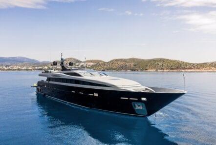 mado-motor-yacht-exterior-profiles (4)