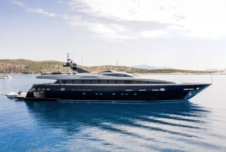 profile of motor yacht Mado
