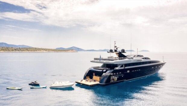 mado-motor-yacht-exterior-profiles (6)