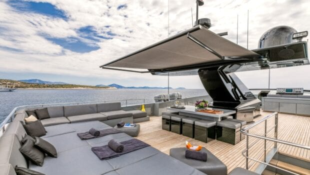 mado-motor-yacht-upper-aft-deck (1)