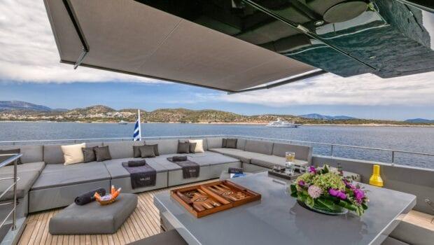 mado-motor-yacht-upper-aft-deck (2)
