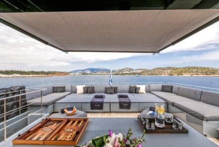 mado-motor-yacht-upper-aft-deck (3)