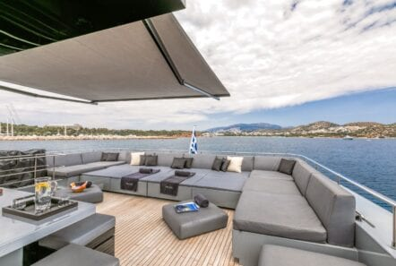 mado-motor-yacht-upper-aft-deck (4)
