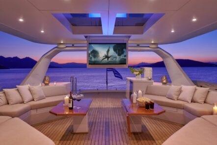mia-zoi-motor-yacht-cinema-sundeck