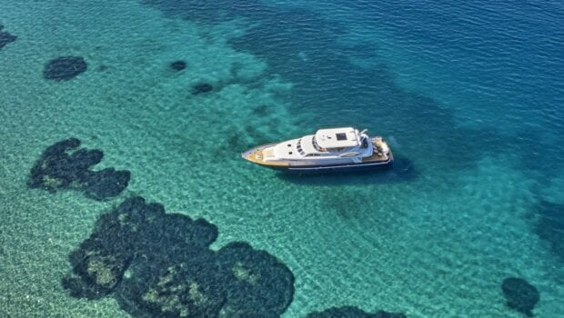 mia-zoi-motor-yacht-exterior (1)