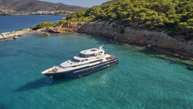 mia-zoi-motor-yacht-exterior (3)