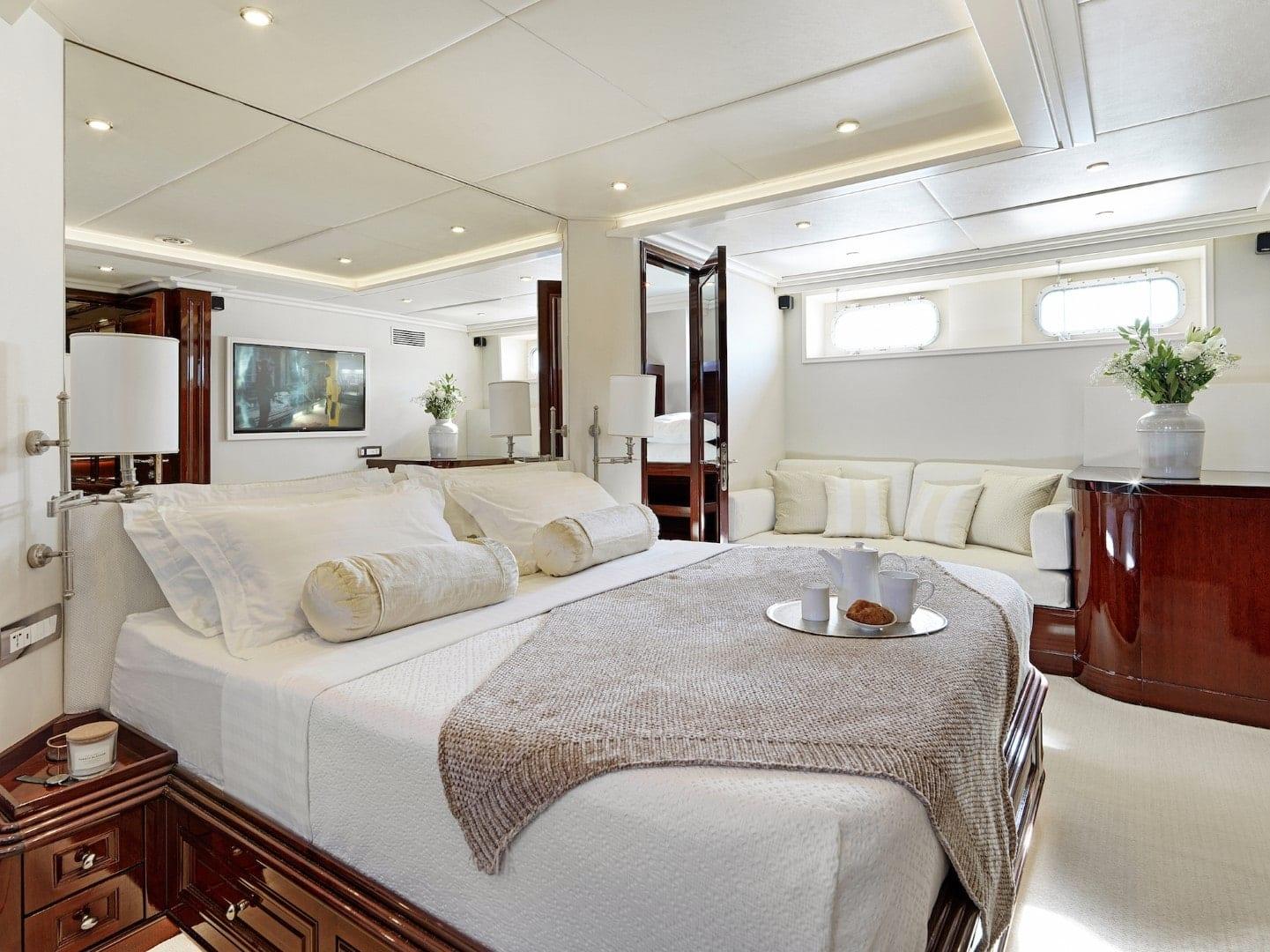 cabin on yacht Mia Zoi