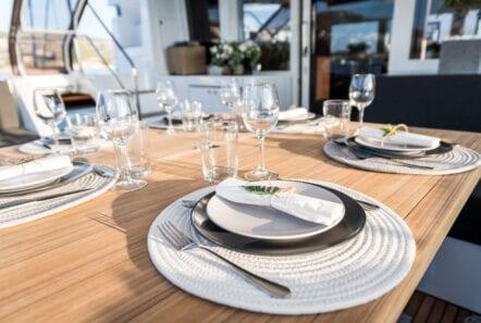 nomad-catamaran-dining (1)