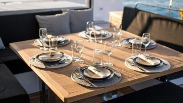 nomad-catamaran-dining (2)