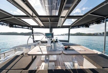 nomad-catamaran-dining (9)