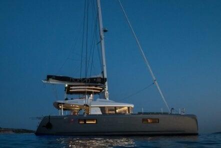 nomad-catamaran-evenings-on-board (4)