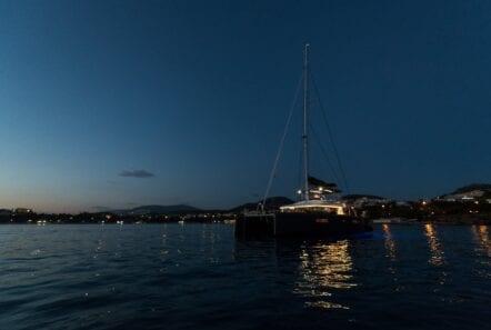nomad-catamaran-evenings-on-board (5)