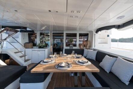 nomad-catamaran-exterior (1)