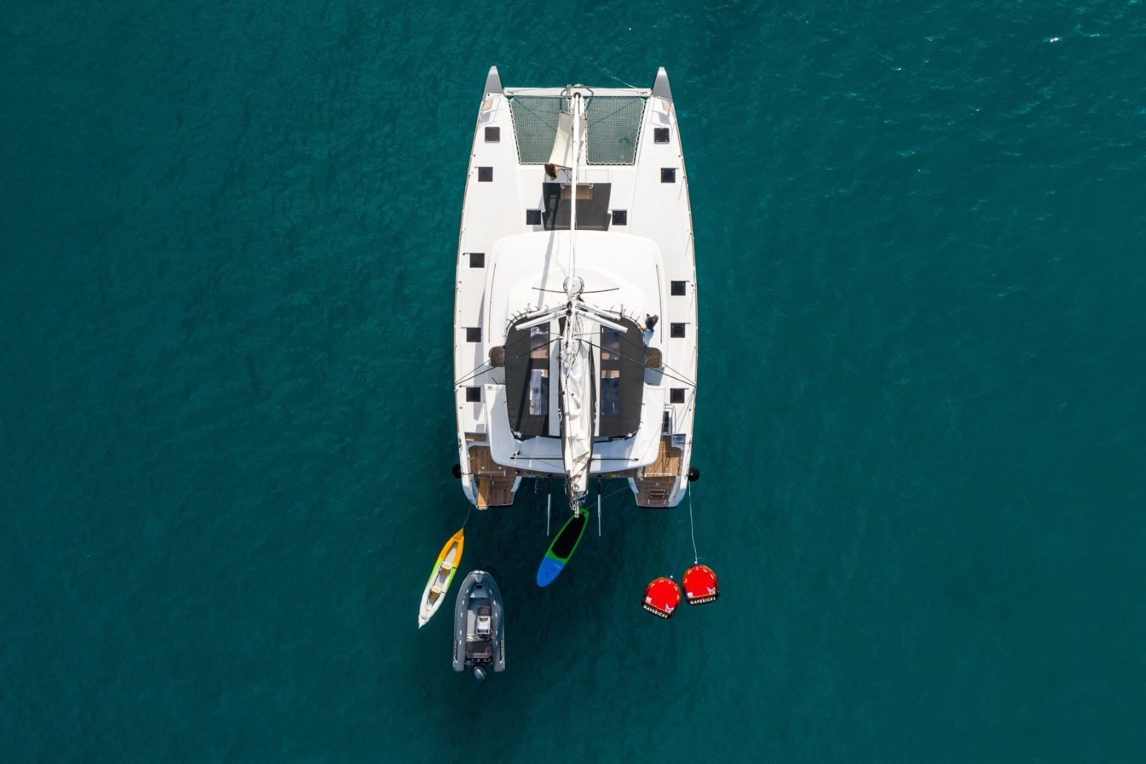 nomad-catamaran-profiles (6)