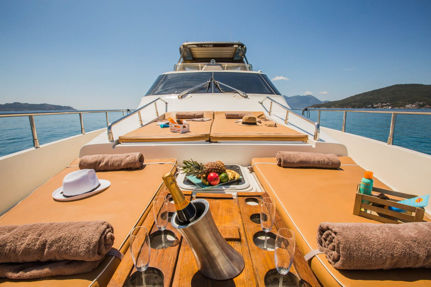 ulisse-motor-yacht-fore (3)-min