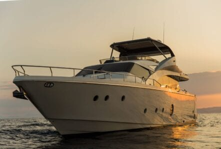 ulisse-motor-yacht-profile (1)-min