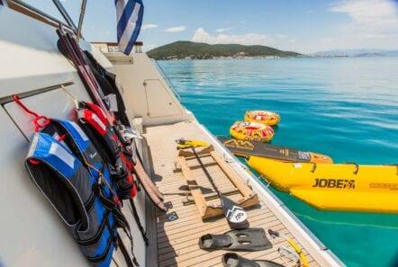 ulisse-motor-yacht-seatoys (1)-min