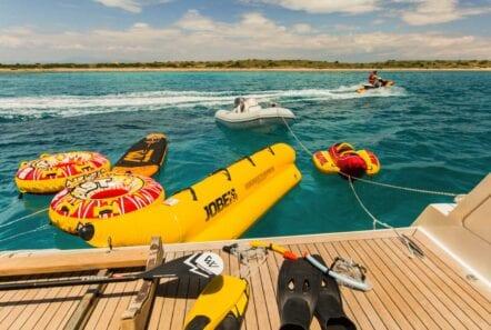 ulisse-motor-yacht-seatoys (2)-min