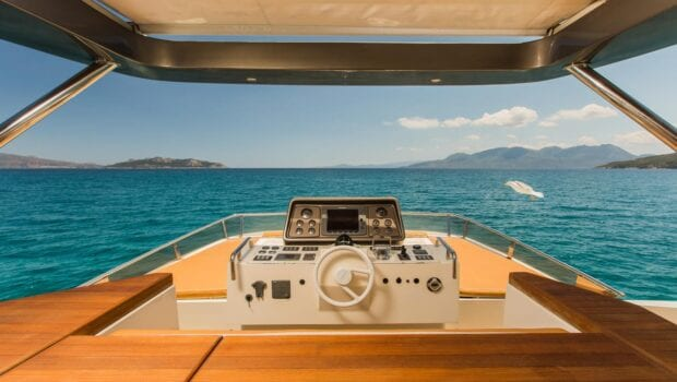 ulisse-motor-yacht-sundeck (1)-min