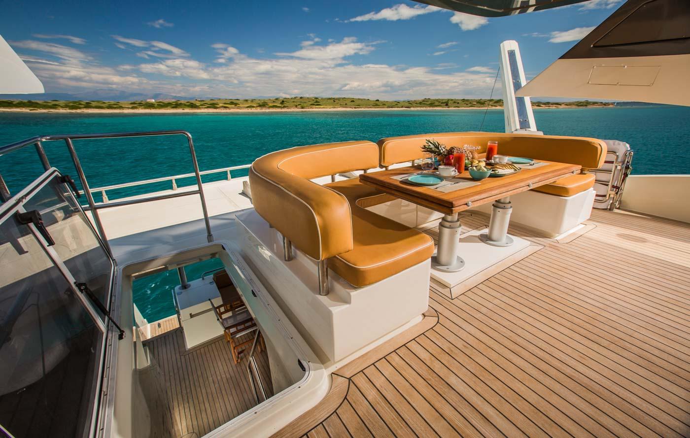 ulisse-motor-yacht-sundeck (3)-min
