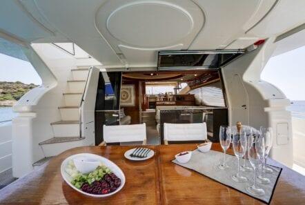 alsium-motor-yacht-aft-deck-details
