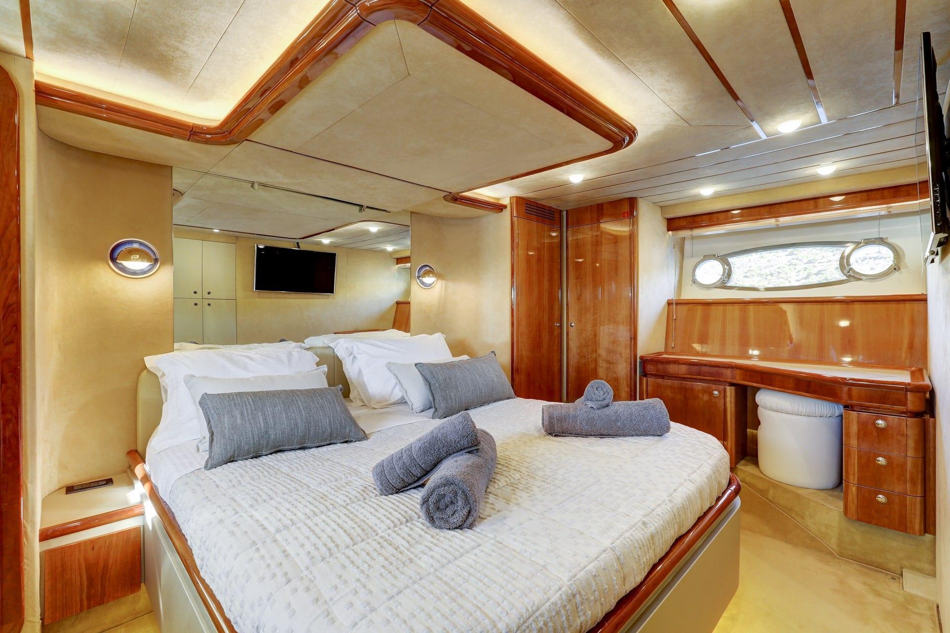 bedroom in alsium yacht