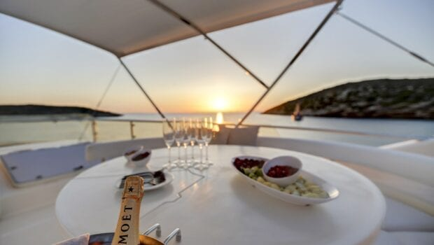 alsium-motor-yacht-sundeck (2)