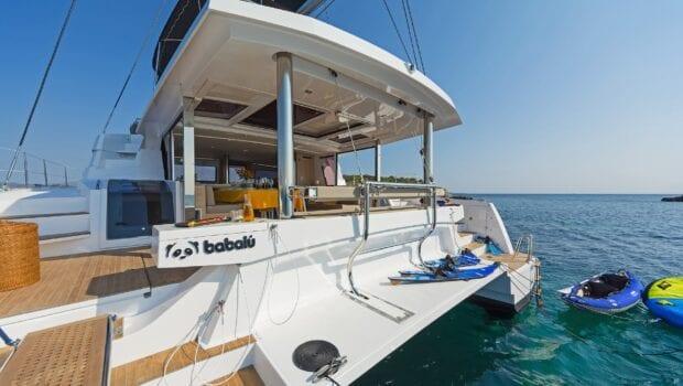 babalu-catamaran-exterior (1)-min