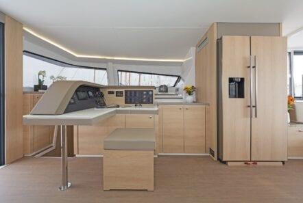babalu-catamaran-interior (2)-min