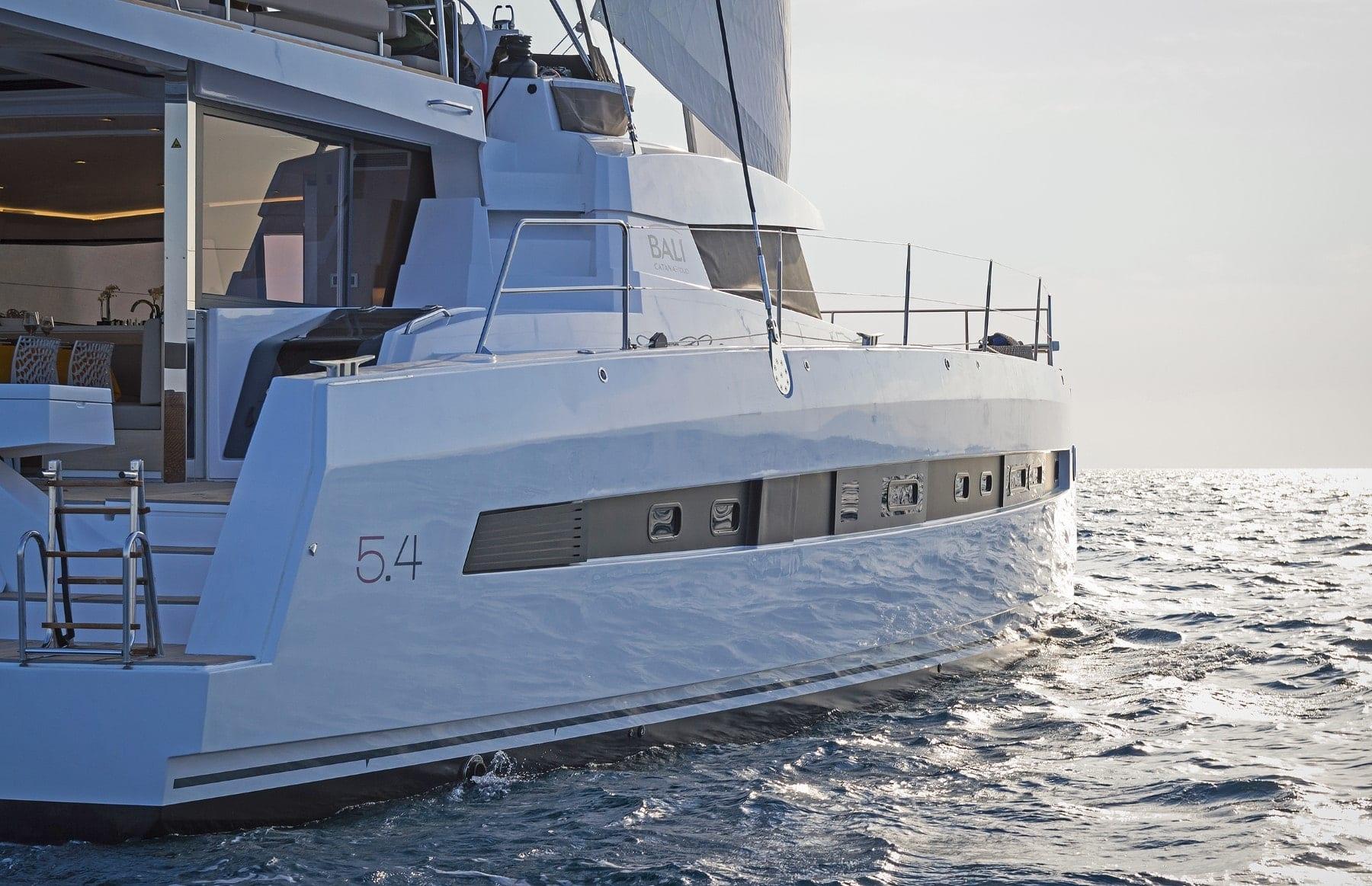 babalu-catamaran-profile (2)-min
