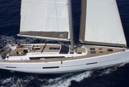 darfour sailing yacht under way