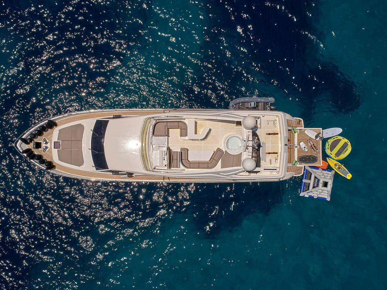 elite-motor-yacht-aerial (2)