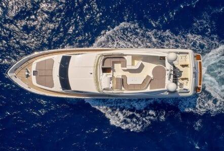 elite-motor-yacht-cruising (2)
