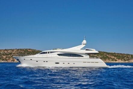 elite-motor-yacht-cruising (5)