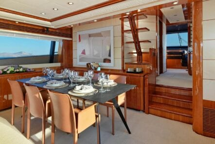 elite-motor-yacht-formal-dining