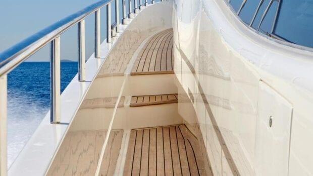 elite-motor-yacht-views (2)