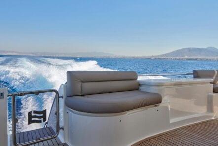 elite-motor-yacht-views (3)